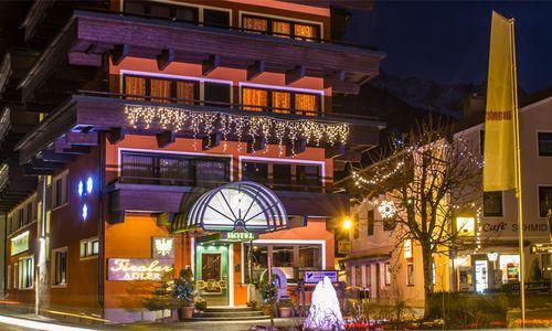 Hotel Tiroler Adler in der Nacht